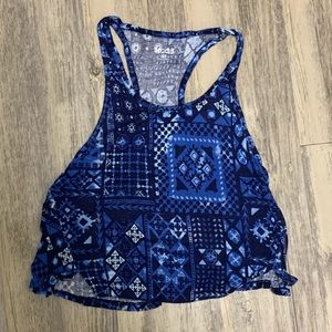 ✨✨ 3 FOR 10!! ✨✨ Blue Patterned Crop Top